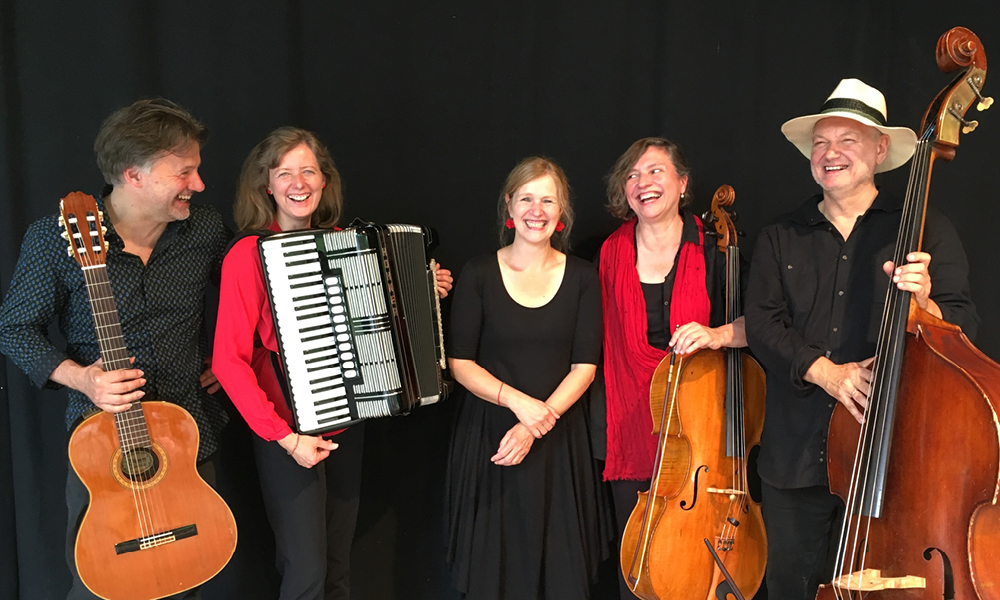 Tango Ensemble Contrabajando, Kamen